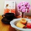 二鶴堂 福岡の名菓【博多の女 あまおう苺ミルク味】を桜と共に