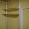 赤ちゃんのイタズラ対策に、柱を立てて壁に棚を取り付けた!