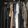 【新生活】オールシーズンの洋服30着〜押入れ収納をご紹介〜