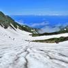 千蛇谷の雪渓を登る