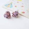 「アンティークのような美しいピアスです」紫ハートの刺繍ピアス