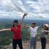 大学生女性3人旅 プリアヴィヘア遺跡とトンレサップ湖夕日鑑賞へ車チャーターアートと