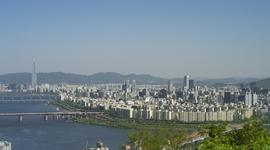 小池都知事再選で韓国紙の「ある報道」に、「暴言で不快」と怒りの声が