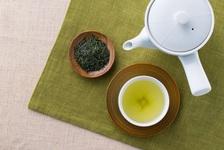 お茶の効能とは?健康に効果的な正しい飲み方と、おいしくいれるコツ