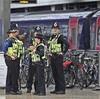 英地下鉄テロで18歳男を逮捕 実行犯かは不明
