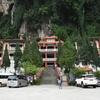 【マレーシア穴場観光地】グルメと洞窟寺院の街イポー!!(シンガポール直行便あり)