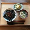 ネバネバ丼が朝ごはん  2/23      日曜  朝