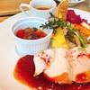 オシャレCAFE|魅惑のグリル料理と美味しいお酒 開放感のあるオープンキッチン!