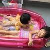 ビニールプール遊び