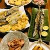 天ぷらと秋刀魚で晩酌。あと、密かにニンニクごろごろシリーズ第5弾。