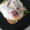 「全粒粉パンで目玉焼きハムトースト」レシピ