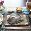 かれいの塩麹漬け焼きと白だしおでんのリメイク炊き込みご飯(´-ω-`)