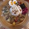 【スパイスカレーBON'S】関目で頂く彩られたやさしい味のスパイスカレー!ごろごろ豚とたっぷり野菜、おいしい副菜で癒される!
