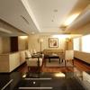 「素晴らしいマンションのエントランスが、お部屋の不動産価値を保ちます」
