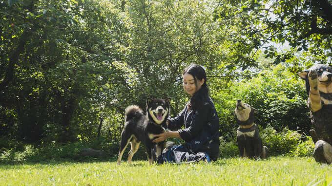 動物の肖像彫刻家・はしもとみおフォトエッセイ「自分や誰かにとって大切な動物との日々を形に残すこと」