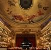 本屋はやっぱり雰囲気が大事?築100年の劇場を改築した書店の内部がゴージャス