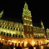 ベルギー・ブリュッセルの市庁舎は夜のライトアップが美しい