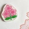 にわかラグビーファン、プラ板で桜のエンブレムグッズを作る。