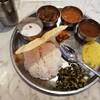 京都「タルカ」で南インド料理ミールスを堪能!あっさりテイストなカレーを混ぜ混ぜ、組み合わせを楽しむ