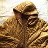 私の古着からブランド不明の裏ボア、リバーシブルフードジャケットをご紹介。見た目やタグ・ジップ・年代・着こなしなどを書きました