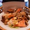 旬のきのこが20種類以上はいった秋限定きのこ鍋を食べに、新宿御苑・北海亭へ