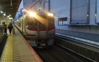 【姫路小旅行1】特急はまかぜ5号と姫路「駅ナカ」グルメ。