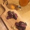 ステーキにビール。今宵のひとサラ。
