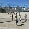 昼放課の様子 運動場で思いっきり遊ぶ
