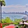 「パタヤヒル」の展望台の脇にある絶景を見ながらコーヒーが飲めるカフェでのんびりと。。。