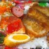 「ひまわり弁当」の「名無し弁当(ソースカツ他)」 300円