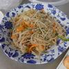 幸運な病のレシピ( 1593 )朝:もやし炒め(白ワインとバター風味)、鮭、塩サバ、焼き鳥、枝豆、味噌汁、マユご飯
