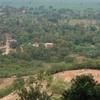 最悪のインド旅行記(43)前正覚山を下りて、ブッダガヤ駅に向う途中の民家で。