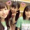 Juice=Juiceの梁川さんがカンガルの2人と一緒に写真撮ってくれたぞwww