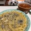 チキンクリームパスタとトマトスープ