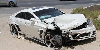 アメリカの高速で旦那の車のタイヤがバーストして事故に遭いました