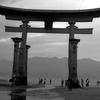 白黒フィルムを入れて宮島の大鳥居を見に行った