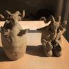 羊の人形二つ、陶虫夏草「象虫」鉢と「大黒黄金」鉢