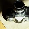 みんなニコニコ、標準レンズでニコマート・Nikkor-H f.2.0 50mm