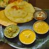 検見川の「印度料理シタール」でスペシャルターリー、バターチキン、パラクパニール、ダール、チキンティッカ、にんじんケーキ、ハーフナン、パパド、マンゴーパフェ。