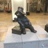 パディントン駅では、クマのパディントン像をチェックですよ!