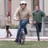 自転車泥棒に容赦なく天誅(てんちゅう)が加えられる!