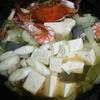 渡り蟹とエビ、サメ肉と野菜の魚介スープ鍋レシピ♪ フライパンお鍋。
