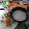 幸運な病のレシピ( 2223 )昼 :野菜炒め(キャベツメイン)、ピラフ(鳥、タマネギ、人参、キノコ)