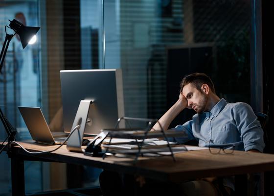 労働時間がムダに長い人に共通する2つの特徴―本田直之の仕事観
