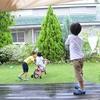 庭で自転車の練習をしたあの日