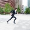 [ま]膝が痛いのに走ってはいけないし腹筋ローラーは正しく使わないといけない @kun_maa
