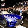 レクサス LCコンバーチブル、量産第一号車が200万ドル(約2億2000万円)で落札!!