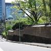 坂のある風景『昌平坂と神馬あかりちゃん(御神馬・神幸号(ごしんめ・みゆきごう)』