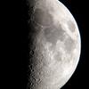 上弦の月(月齢6.921)