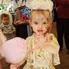 誕生日直前に母親を失った3歳の女の子 チャリティによって盛大なパーティーが開かれ大喜び